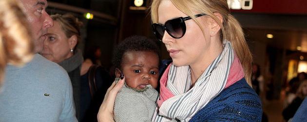 Charlize Theron mit Sohn Jackson