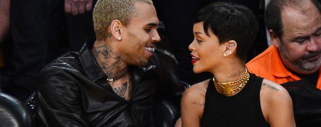 Chris Brown und Rihanna turteln