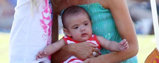 Denise Richards und ihr Baby