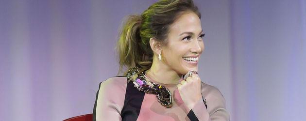 Jennifer Lopez in einem Lanvin Kleid