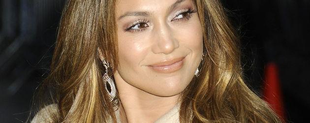 Jennifer Lopez schaut zur Seite