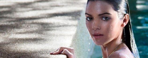 Kendall Jenner nass im Pool