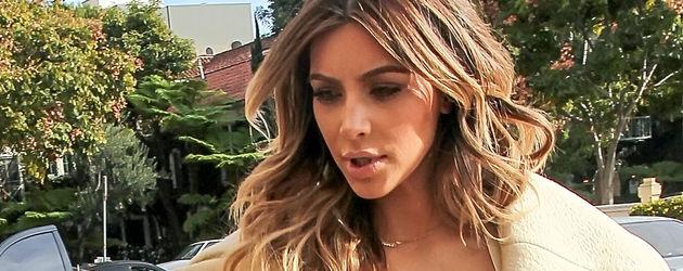 Kim Kardashian mit Dekolleté