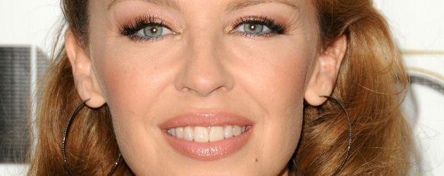 Kylie Minogue in bestickter Spitze