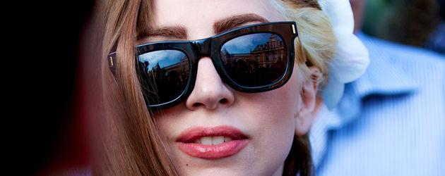Lady GaGa mit braunen Haaren