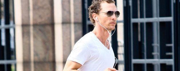 Matthew McConaughey in Nike-Schuhen