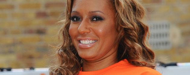Mel B. in orange