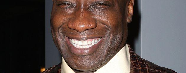Michael Clarke Duncan grinst über sein ganzes Gesicht
