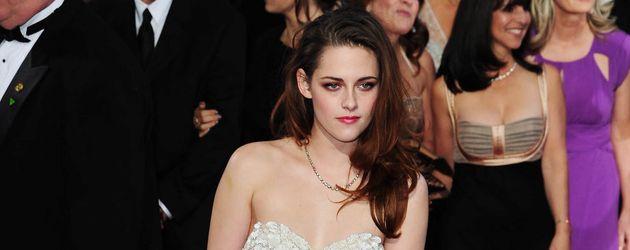 Oscar 2013: Kristen Stewart in weißer Spitze