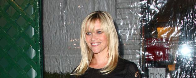 Reese Witherspoon im schwarzen Spitzenkleid