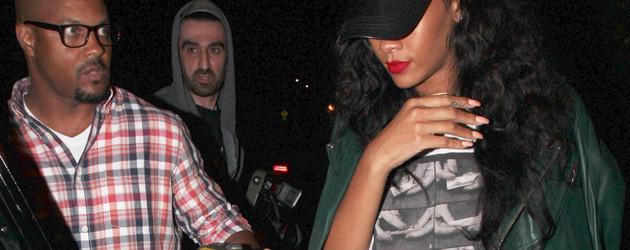 Rihanna mit Joint-Anleitung auf dem Shirt Collage