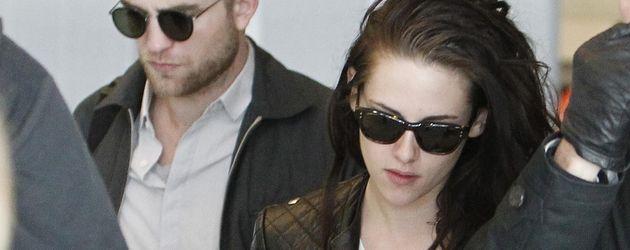 Robert Pattinson und Kristen Stewart am Flughafen
