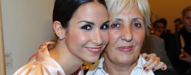 Sila Sahin mit ihrer Mama