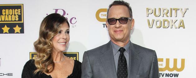 Tom Hanks mit Rita Wilson bei den Critics' Choice Awards 2014