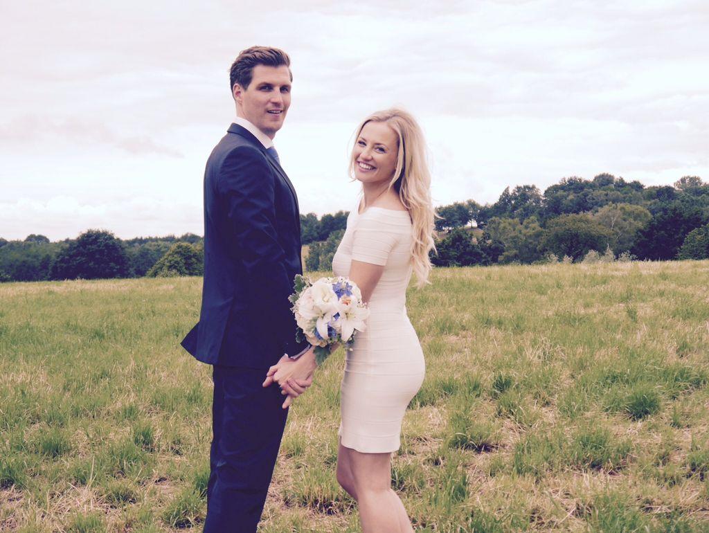Ziemlich Spenden Ihr Hochzeitskleid Zeitgenössisch - Hochzeit Kleid ...