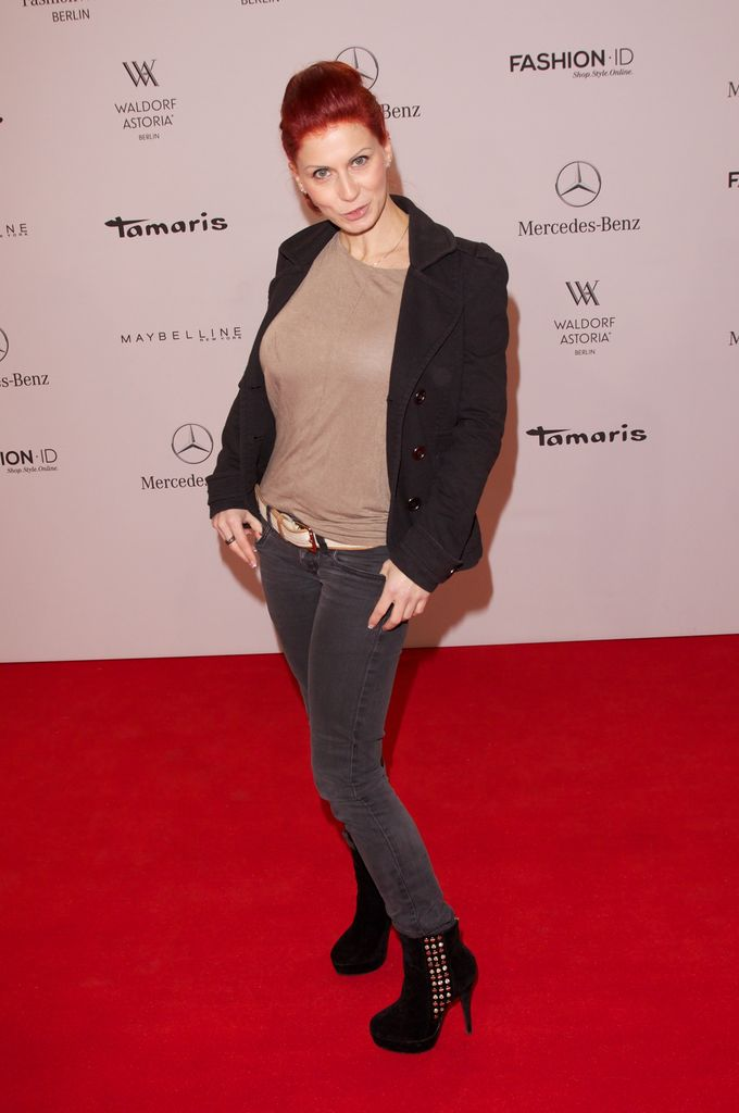 41cfb462d1 Größen-Check: Taylor Swift schlägt Heidi Klum! | Promiflash.de