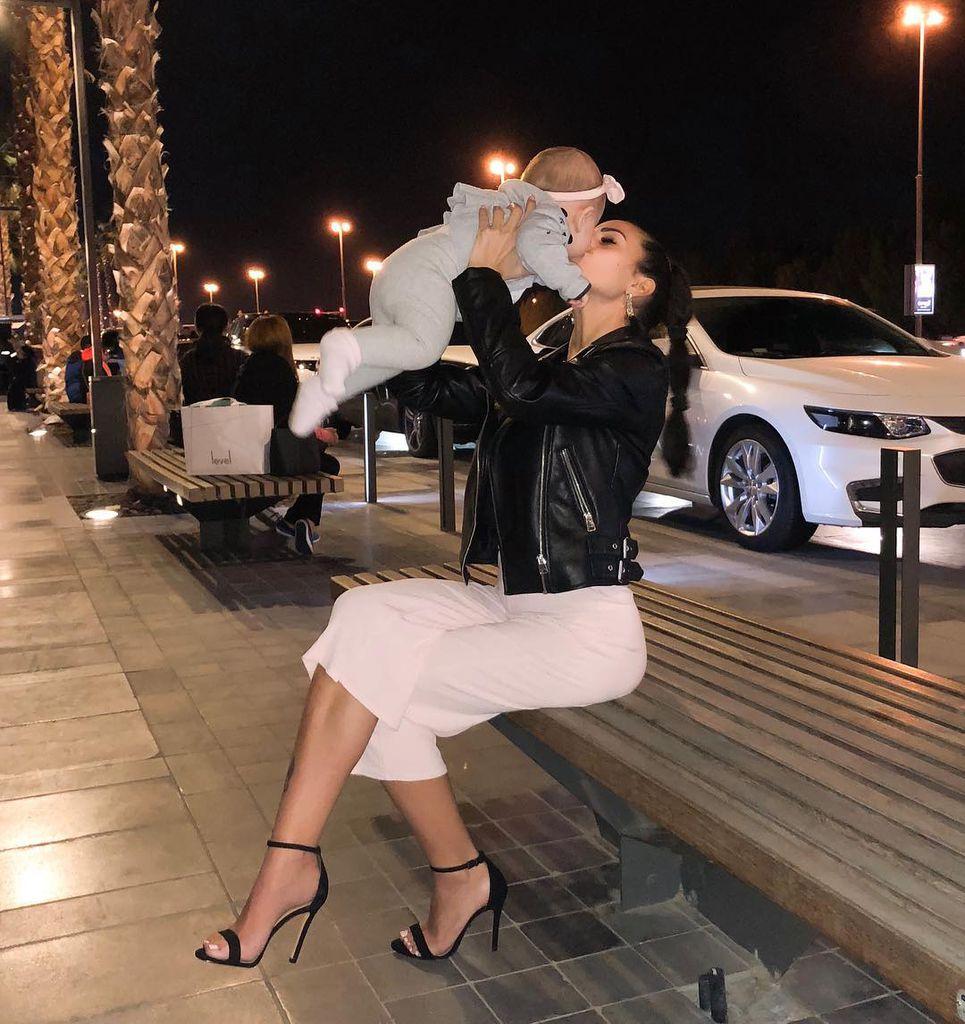 In Dubai Elena Miras Mike Im Urlaub Mit Baby Aylen Promiflash De