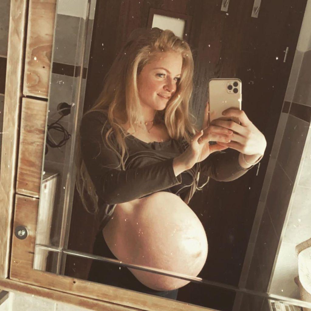 Nach Zwillingsgeburt: Josephine Welsch ist wieder zu Hause