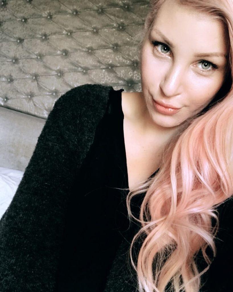 Nackt Laura Maack  41 Sexiest