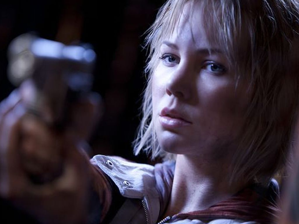 """Adelaide Clemens in """"Silent Hill 2"""""""