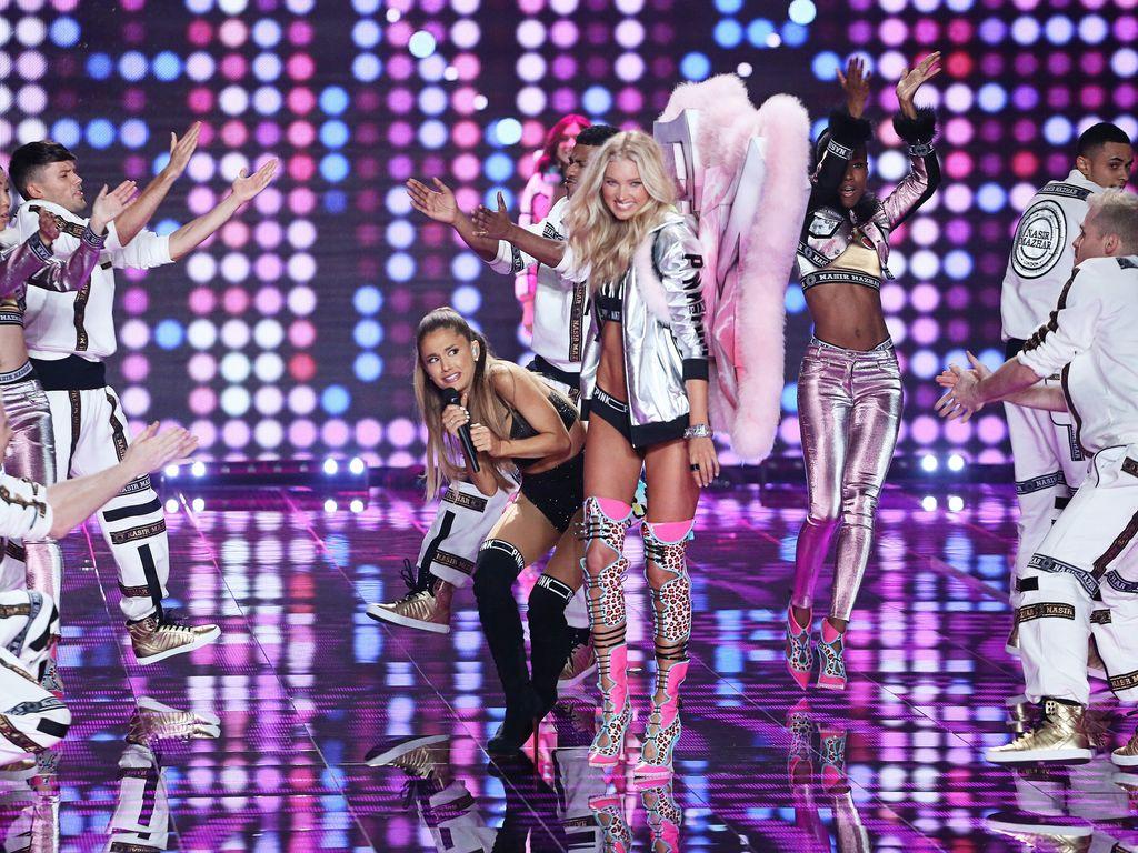 """Ariana Grande bei der """"Victoria's Secret""""-Show"""