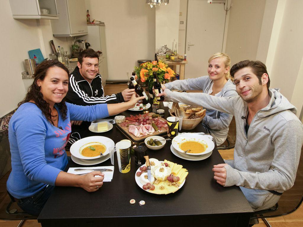 AWZ-Star beim perfekten Promi-Dinner