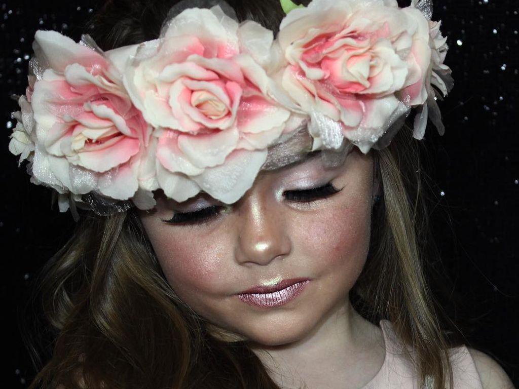 Bella Rose, 6-jährige Beauty-Vloggerin