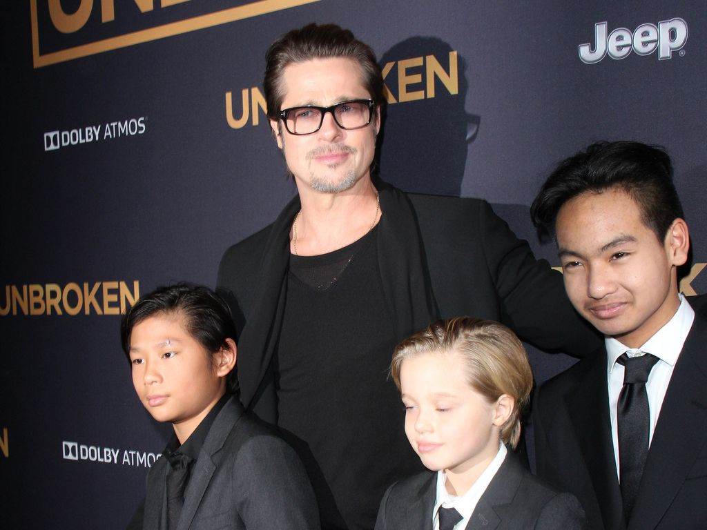 """Brad Pitt mit Pax-Thien, Shiloh und Maddox  bei der """"Unbroken""""-Premiere in L.A."""