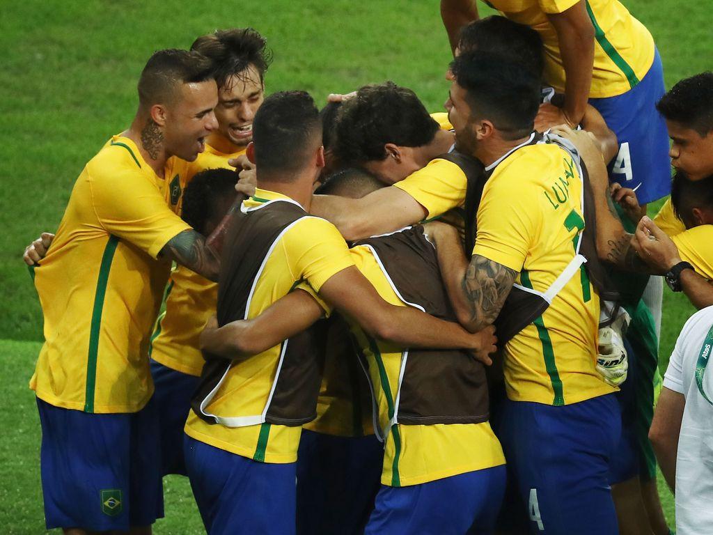 Brasilianisches Fußball-Olympia-Team im Finalspiel gegen Deutschland