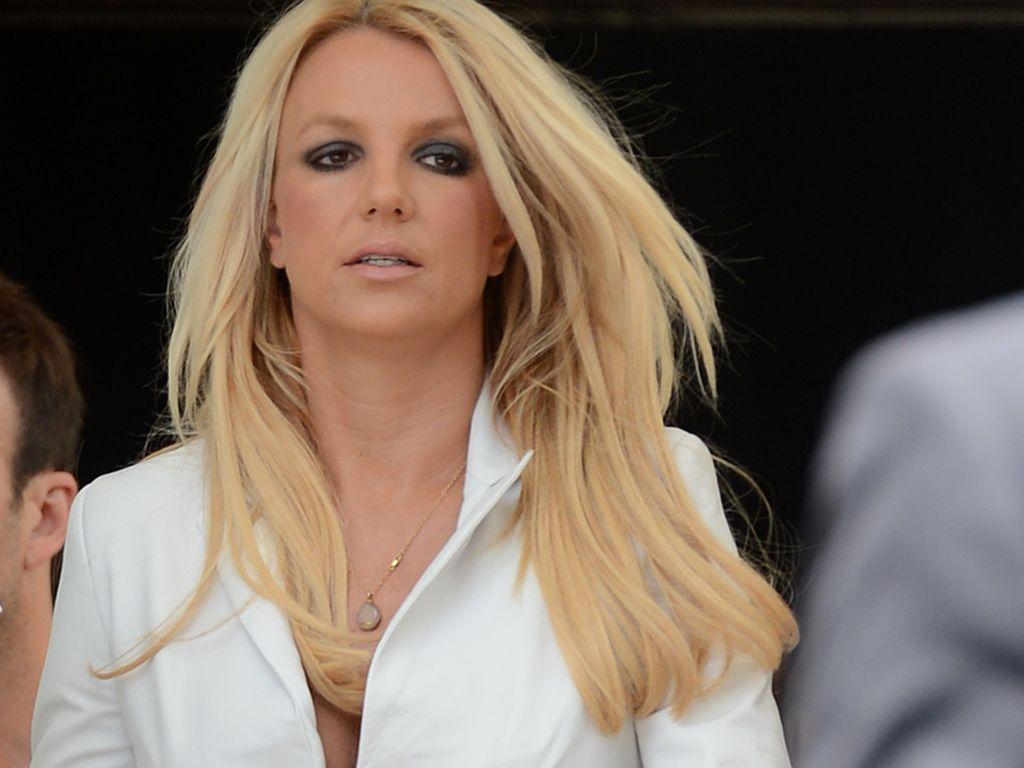 Britneys Vagina Pictures-7599