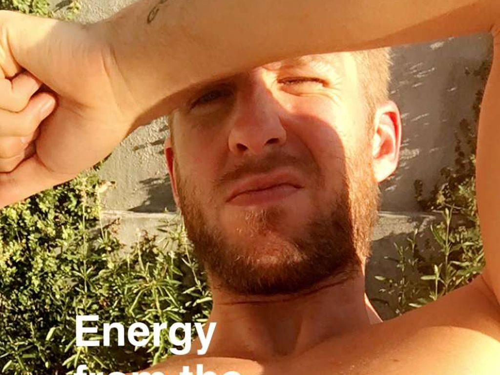 Sexy Snapchat-Post: Calvin Harris in der Sonne