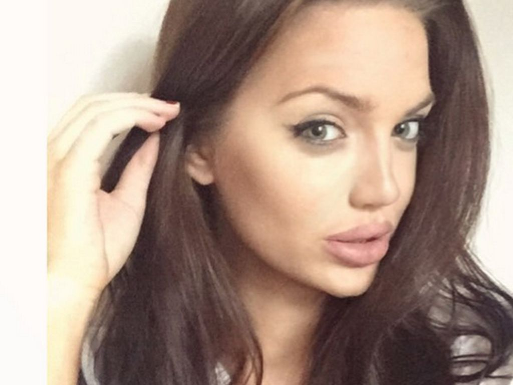 Krasse Doppelgängerin: Das ist nicht Angelina Jolie! | Promiflash.de