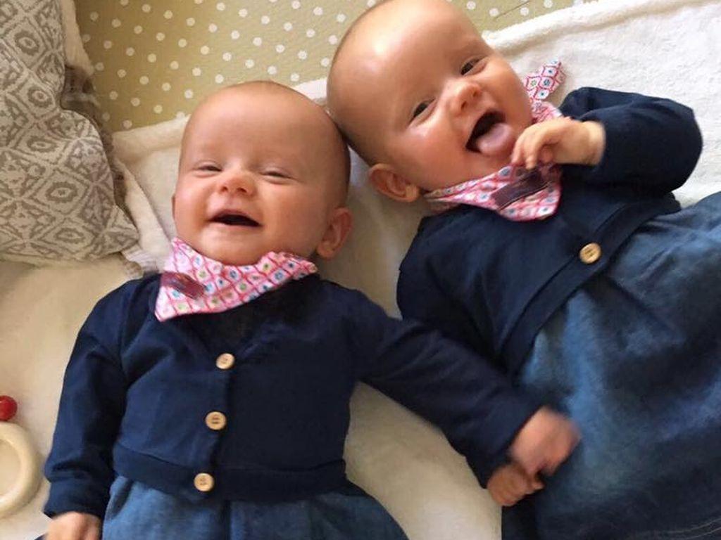 Christian Tews' Zwillinge in neuen Kleidchen