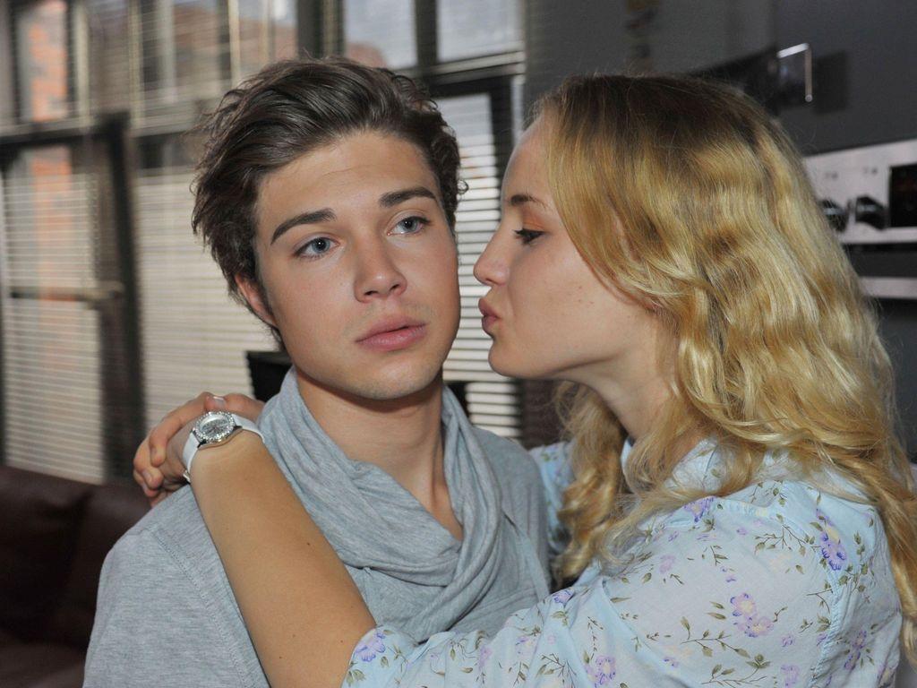 Luise von Finckh als Claire mit Jascha Rust bei GZSZ