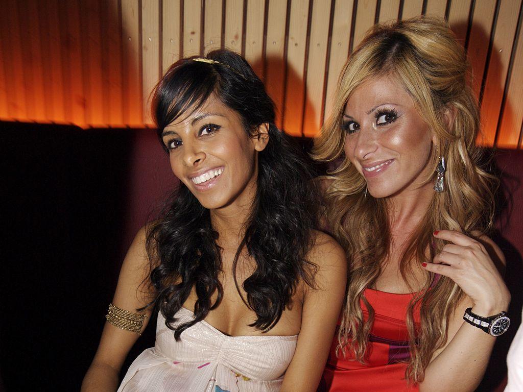 Collien Ulmen-Fernandes und Gülcan Kamps bei einer Promi-Party 2009