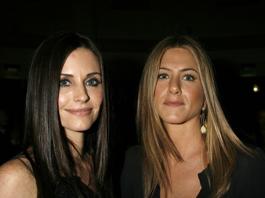 Courteney Cox und Jennifer Aniston bei einer Filmpremiere in Los Angeles