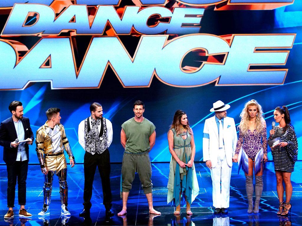 """""""Dance Dance Dance""""-Halbfinalisten während der Entscheidung"""