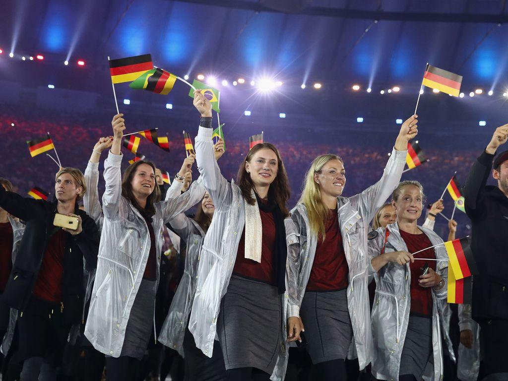 Deutsche Olympioniken bei der Eröffnungsfeier in Rio de Janeiro 2016
