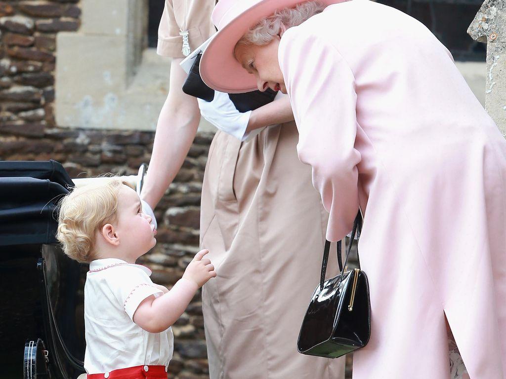 Queen Elizabeth II. und Prinz George