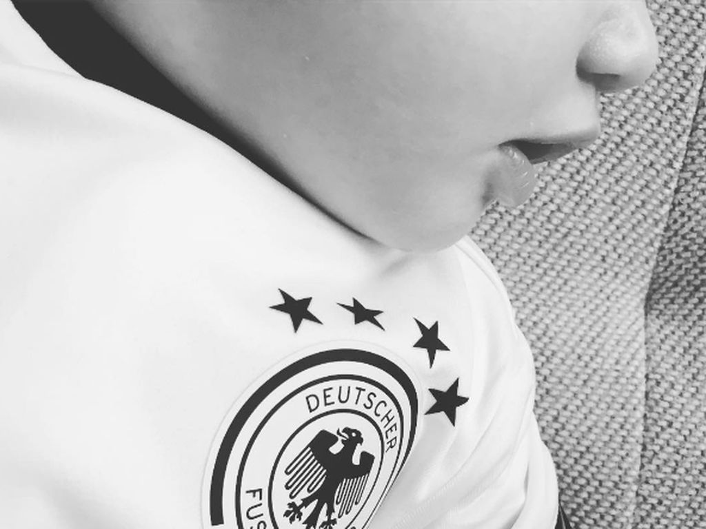 Euro 2016: Ania Niediecks Baby ist ein kleiner Fußball-Fan