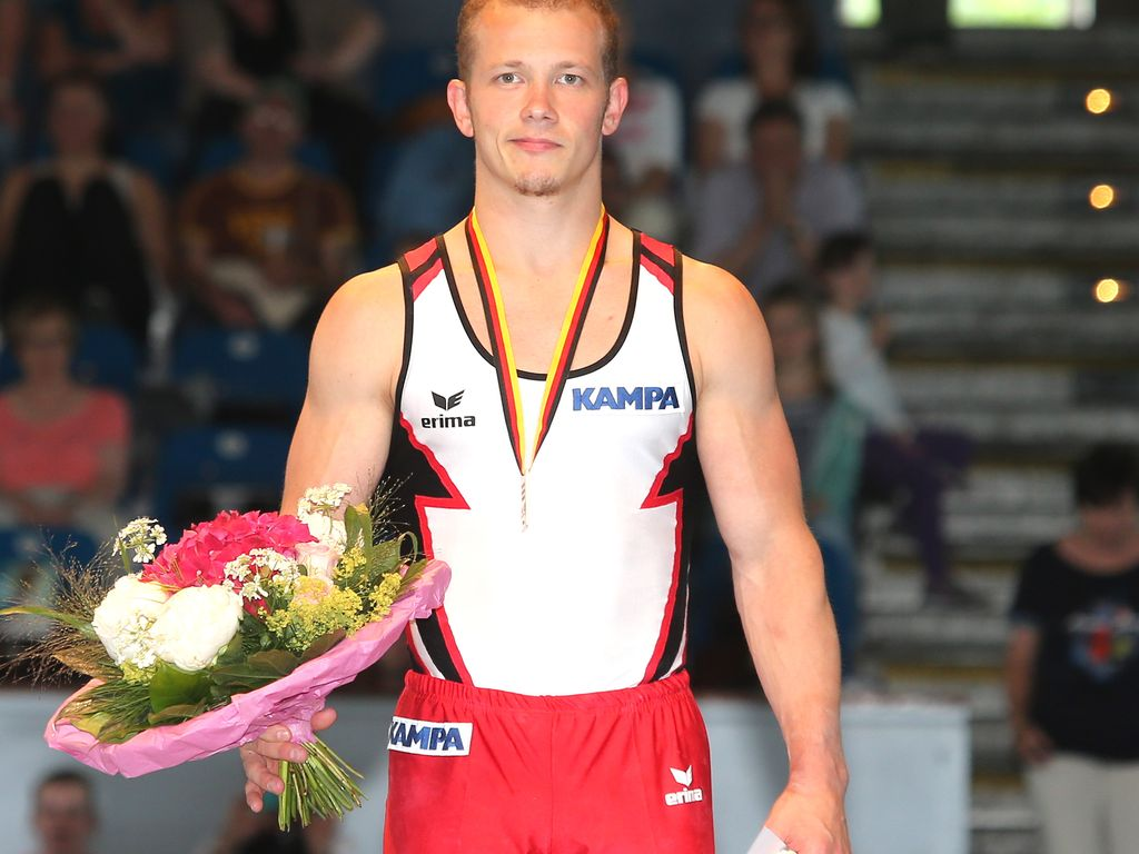 Fabian Hambüchen bei der Deutschen Reck- und Boden-Meisterschaft 2016