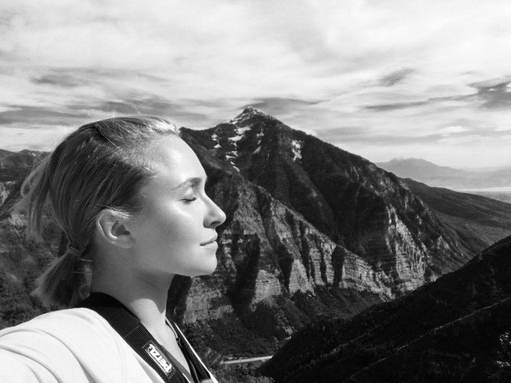 Hayden Panettiere entspannt beim Ziplining in den Bergen