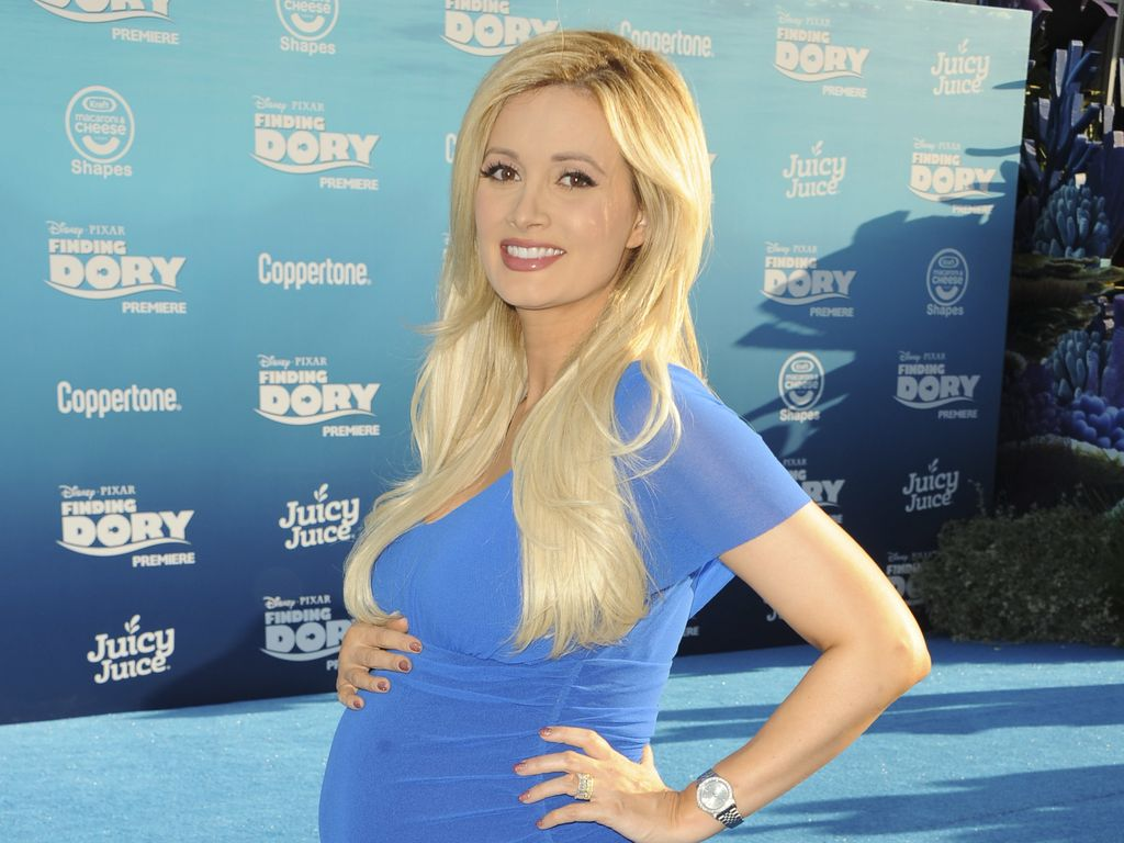 "Holly Madison hochschwanger bei der ""Finding Dory""-Premiere in Hollywood"