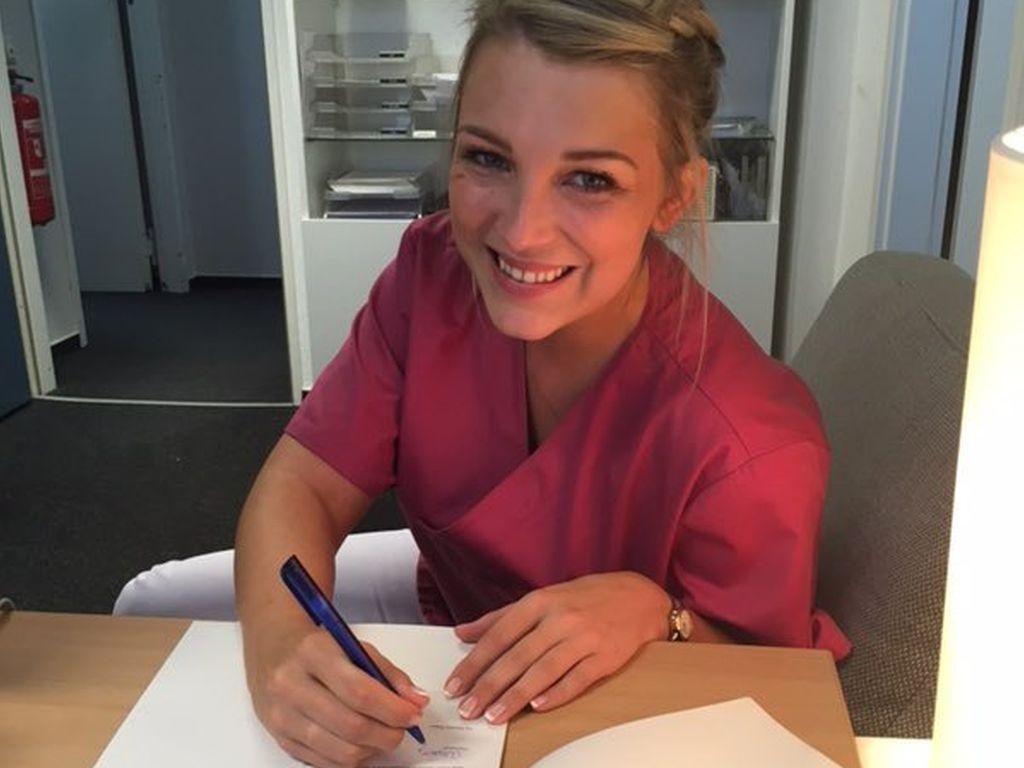 Iris Mareike Steen unterschreibt den neuen Vertrag bei GZSZ