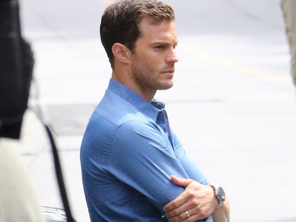 """Jamie Dornan bei den Dreharbeiten von """"Fifty Shades Darker"""""""