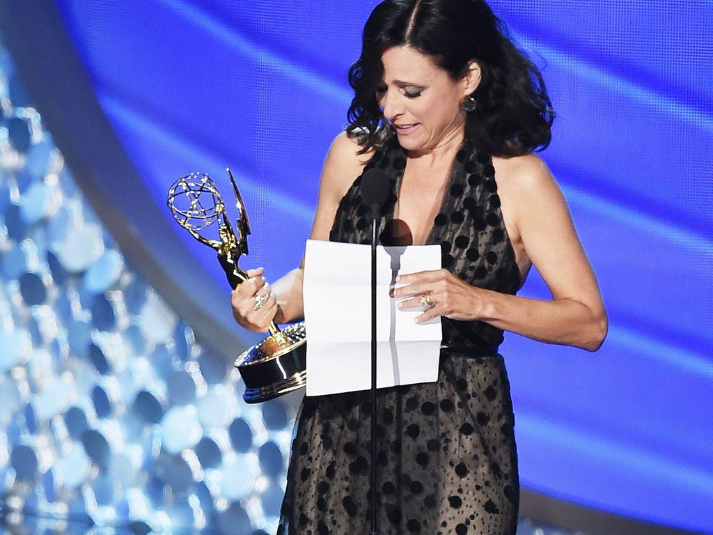 Julia Louis-Dreyfus während ihrer Dankesrede bei den Emmys 2016