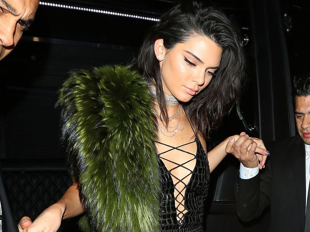 Kendall Jenner auf dem Weg zu ihrer 21. Geburtstagsparty in Hollywood