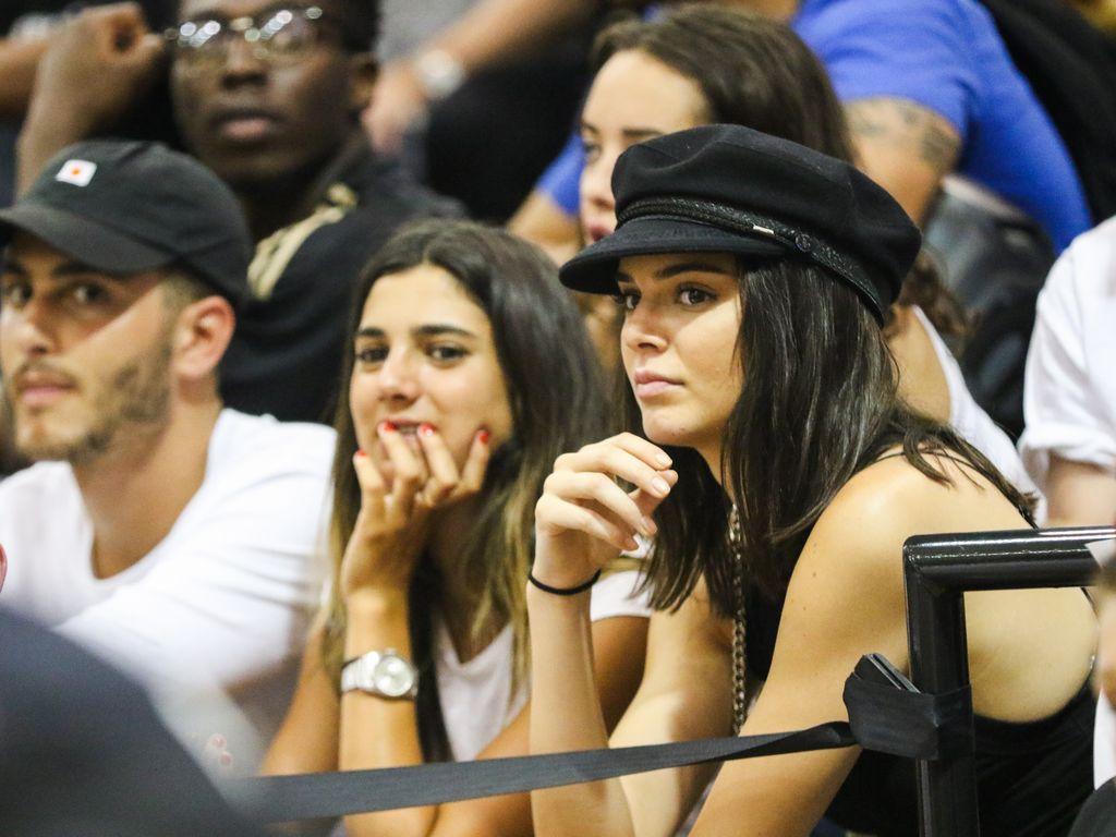Kendall Jenner bei einem Basketballspiel