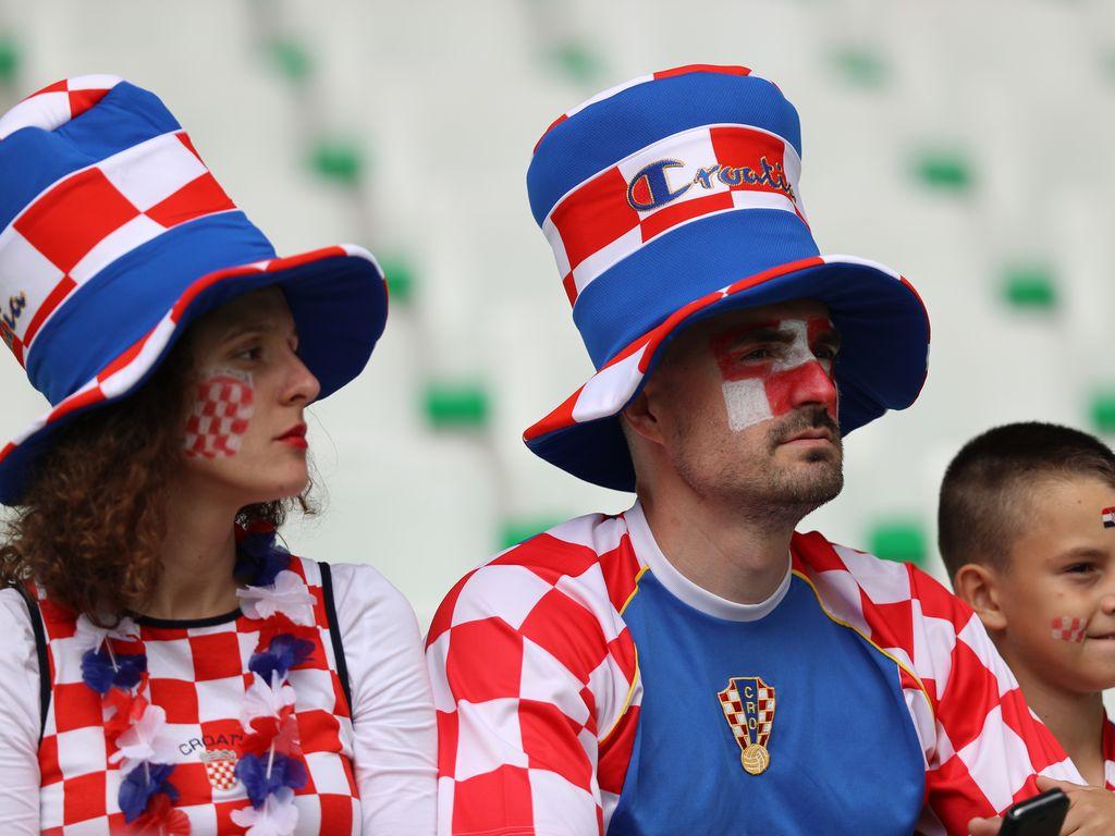 Kroatische Fußballfans beim EURO2016-Spiel Tschechien gegen Kroatien in Frankreich
