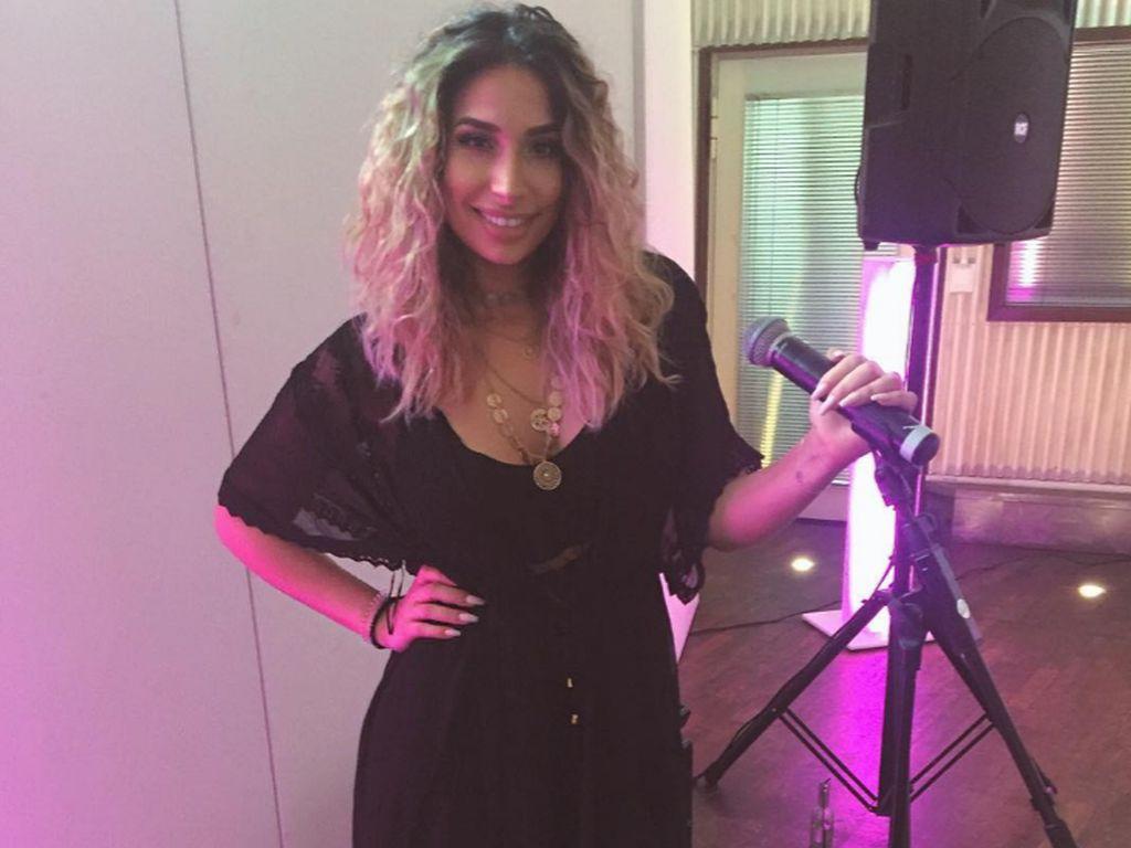 Lamiya Slimani am Proben für ihre Album Release Party 2016